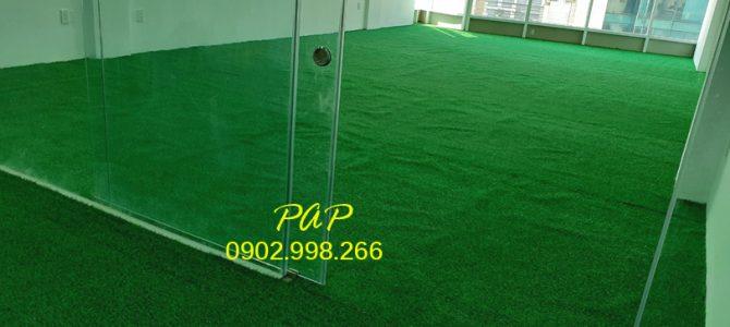 Lót cỏ nhân tạo trải sàn toà nhà IDC Trường Sơn