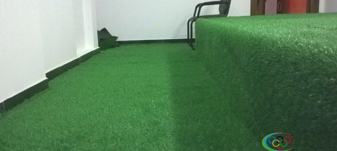 Điểm thư giãn trong văn phòng làm việc nhờ cỏ nhân tạo